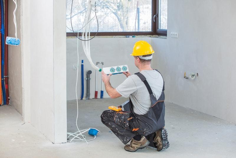 wymiana instalacji elektrycznej podczas remontu