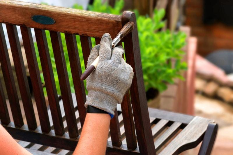 impregnowanie drewnianych mebli ogrodowych