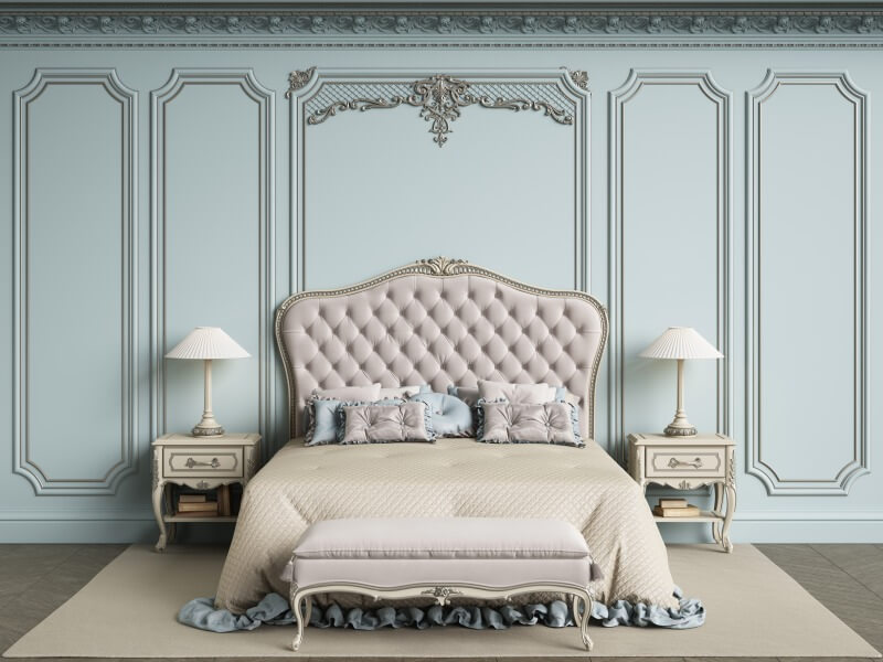 barokowa miętowa sypialnia zdużym łóżkiem