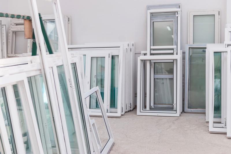 plastikowe białe okna