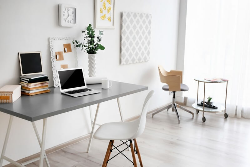 nowoczesny biały gabinet domowy