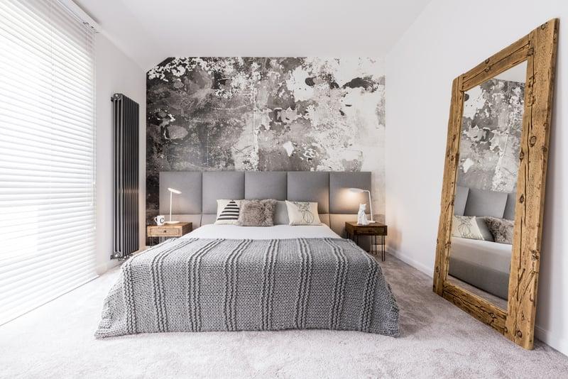 aranżacja małej sypialni w szarościach