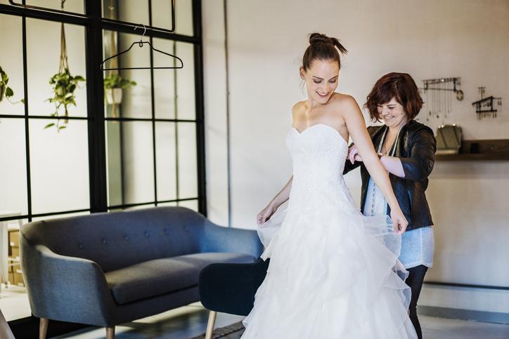 dopasowanie sukni ślubnej