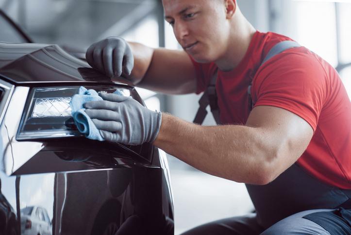 auto detailing - dokładne mycie samochodu