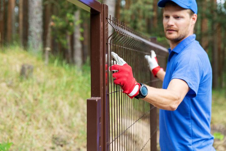 montaż ogrodzenia panelowego